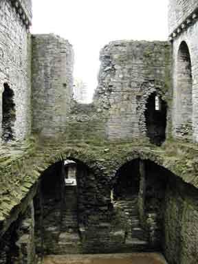 middleham_castle_.jpg